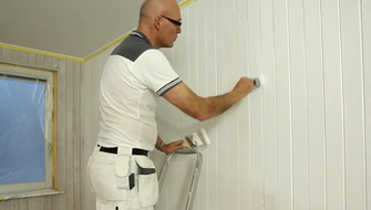 Painting wooden panelling